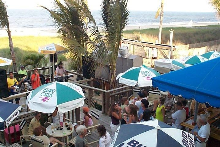 Lenny's Beach Bar and Grill