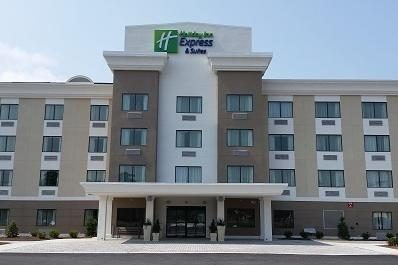 Holiday Inn Express and Suites W OC