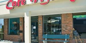 Café Mirage now open