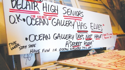 Prom rumor floods gallery with students in search of 'secret room'