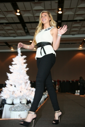 Dine in style at ACS Holiday Wrappings fashion show,lunch