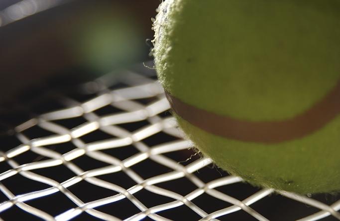 Prep tennis squads earn victories