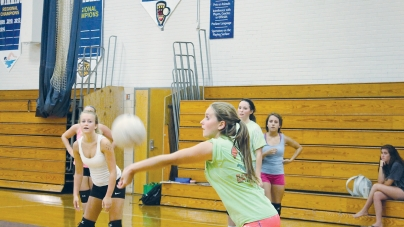 Lady Seahawks learning to adjust to each other on court