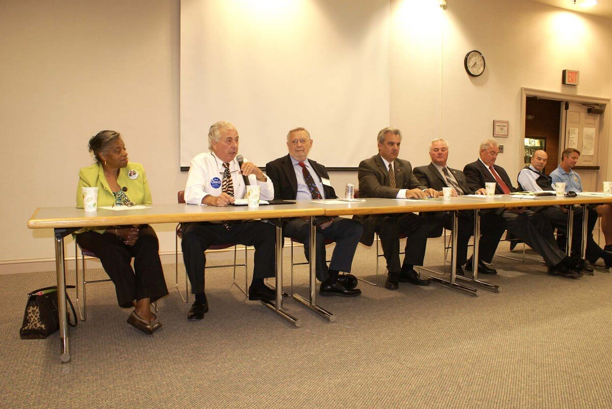 Worcester Comm Candidates Meet at Forum