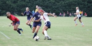 Lady Mallards earn 1-0 win over conference rival, Sabres
