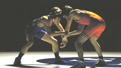 Decatur wrestlers pull out 39-30 win over Easton