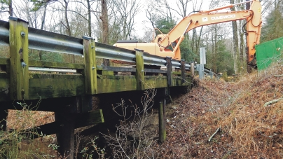 Bridge replacement might drive combines to highways