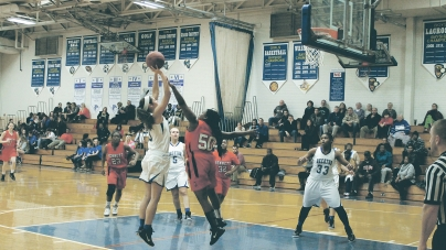 Lady Seahawks 'on the same page on offense'