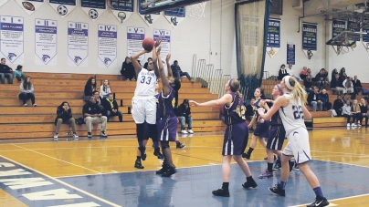 Lady Seahawks score wins over Indians, Crabbers