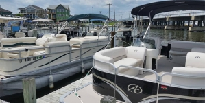 15 Reasons to Rent a Pontoon Boat Photos