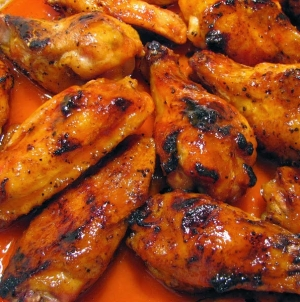 Marina Deck presents first 'King of the Wings' contest