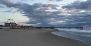 All Quiet Along the Beach (36 photos)