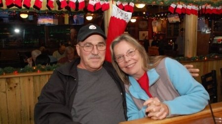 In from the cold and dark: Happy Hour at the Crabcake Factory