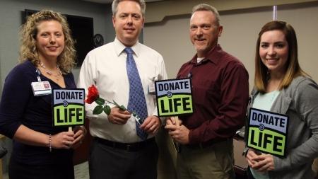 Peninsula Regional Medical Center Dedicates Rose for Donate Life Float in Rose Parade