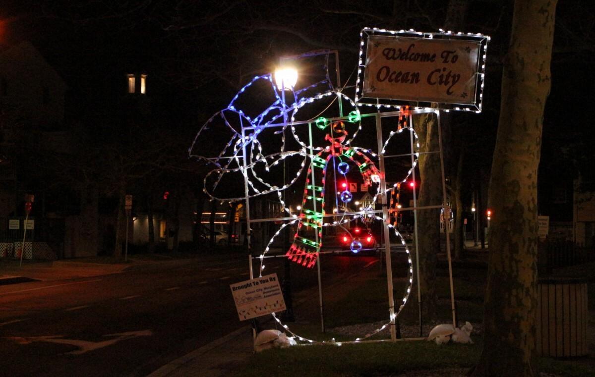 Ocean City snowman lights