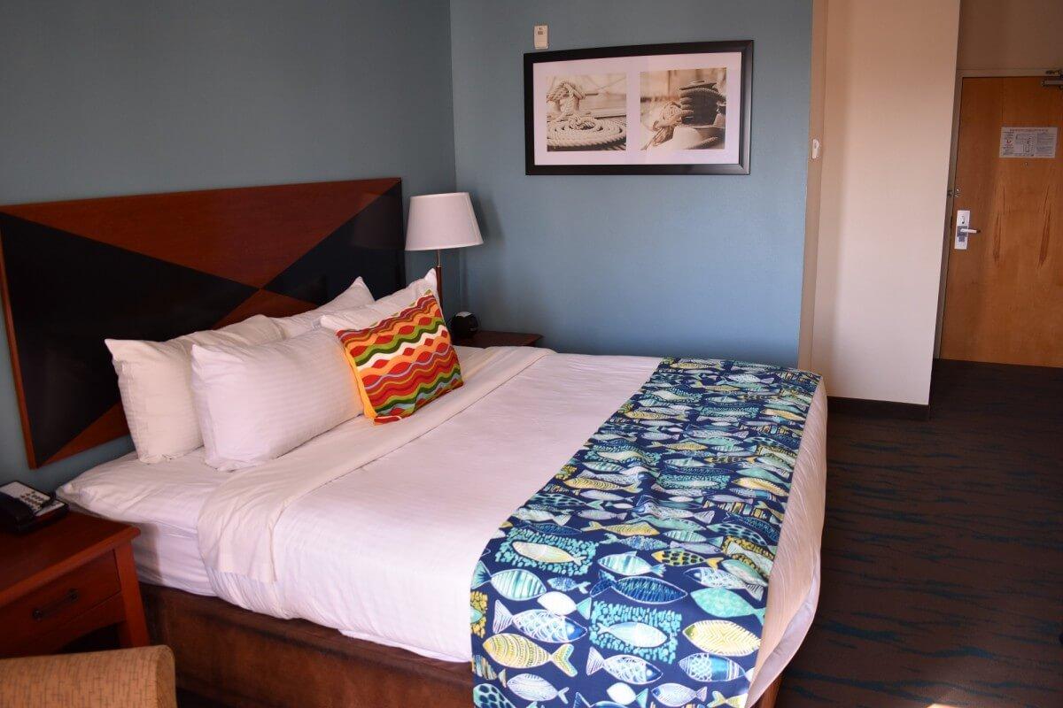 Gateway Hotel room