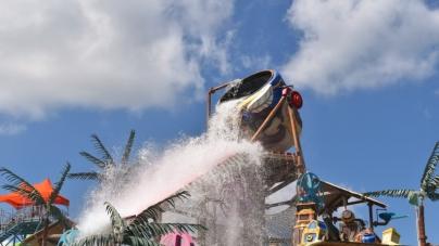 Splashin' Fun at Jolly Roger Splash Mountain (in Photos)