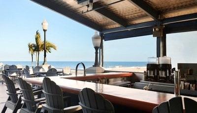 Poolside Bar   The Deep End   971737