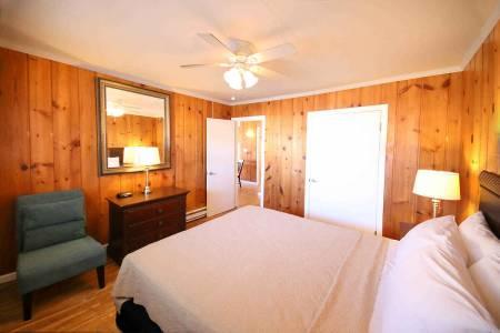 02 surf villas bedroom 450x300